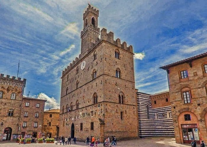 volterra city center tour